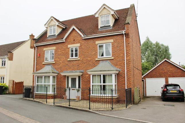 Thumbnail Detached house to rent in Croome Close, Swindon