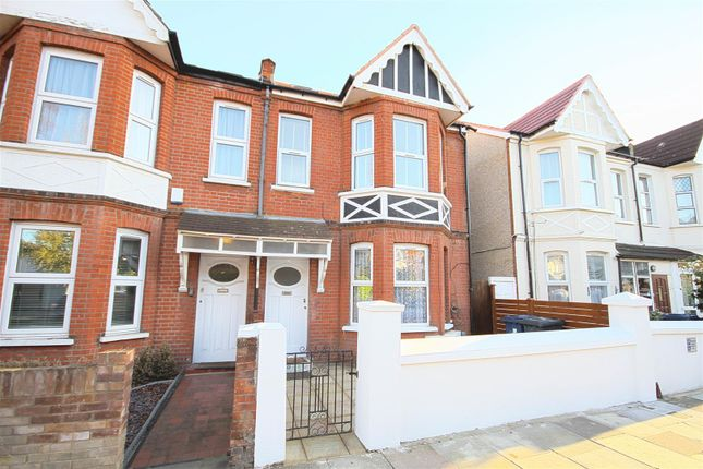 Thumbnail Flat to rent in Leighton Road, London
