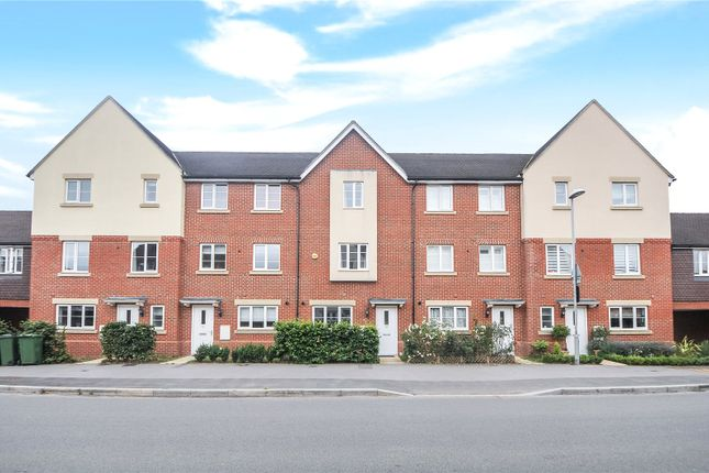 Thumbnail Terraced house to rent in Sparrowhawk Way, Bracknell, Berkshire