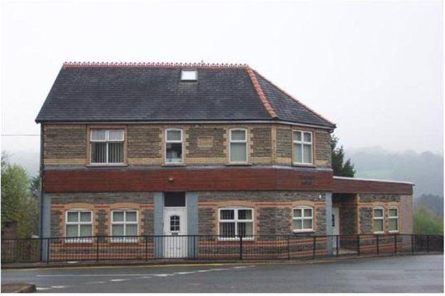 Thumbnail Flat to rent in Commercial Street, Pontllanfraith, Blackwood