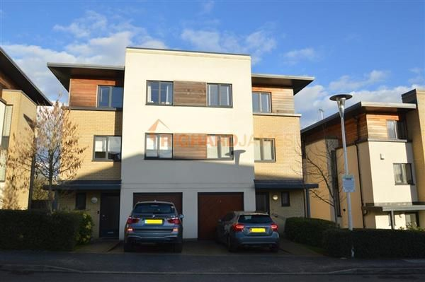 4 bed semi-detached house for sale in Thirleby Road, London