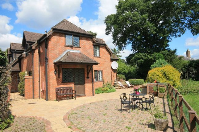 Thumbnail Detached house for sale in Round End, Newbury