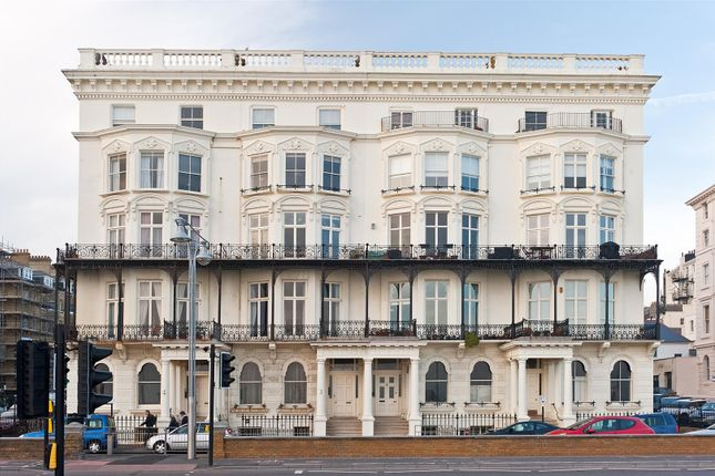 3 bed flat for sale in Adelaide Mansions, Hove BN3