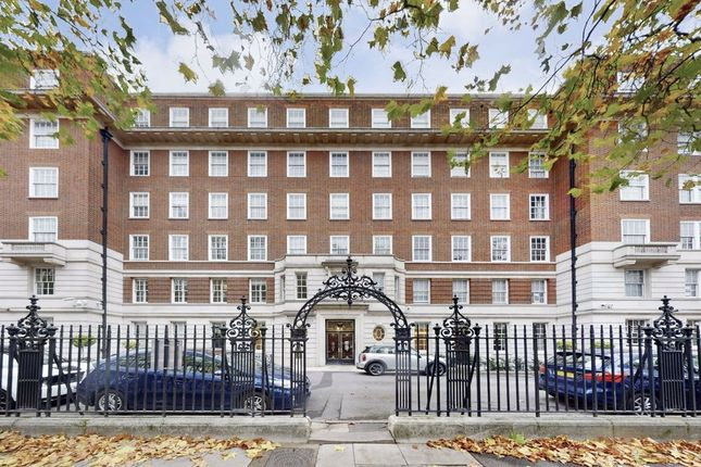 Thumbnail Flat for sale in Abbey Lodge, London