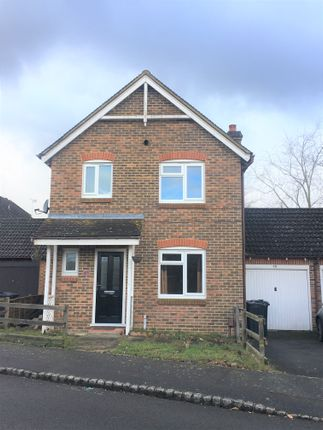 3 bed detached house to rent in Reedmace Close, Singleton, Ashford, Kent