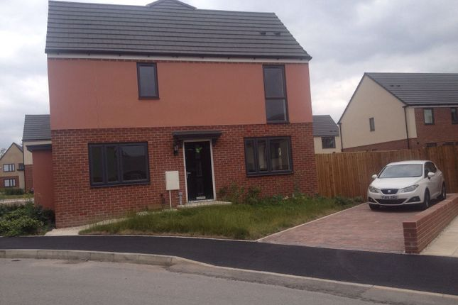 3 bed detached house to rent in Leopard Lane, West Bromwich B70