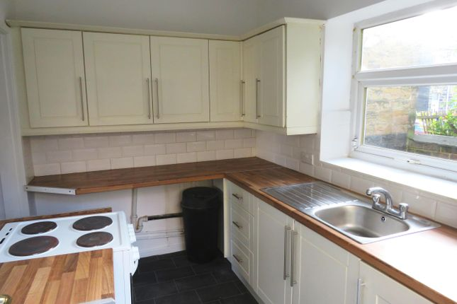 Thumbnail Terraced house to rent in Ealand Road, Birstall, Batley