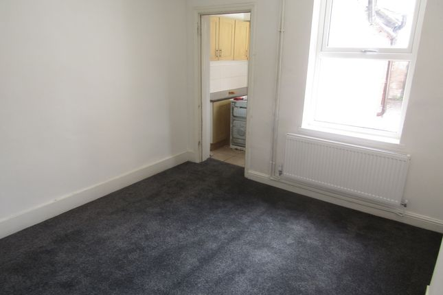 Thumbnail 3 bedroom semi-detached house to rent in Shrubland Street, Leamington Spa