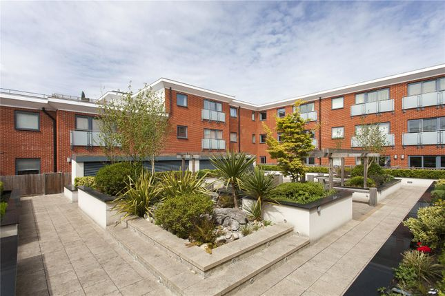 Thumbnail Flat for sale in Heron House, Rushley Way, Reading, Berkshire