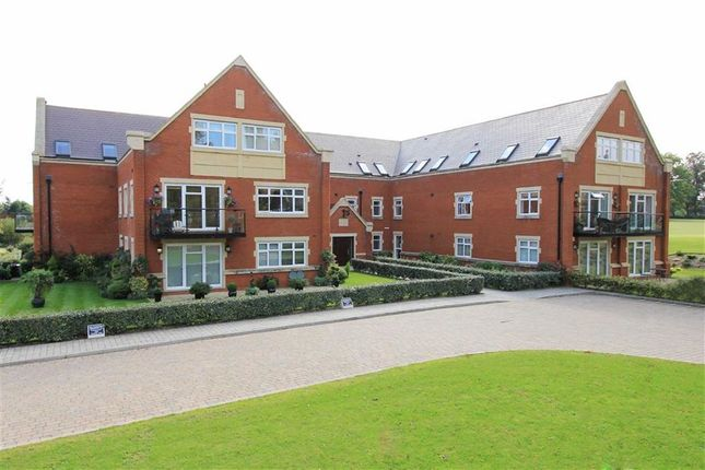 Thumbnail Flat to rent in Royal Connaught Drive, Bushey, Hertfordshire