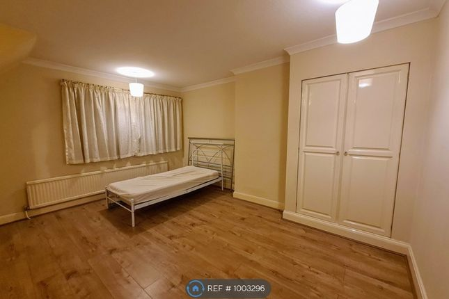 Thumbnail Room to rent in Station Rd, Broxbourne