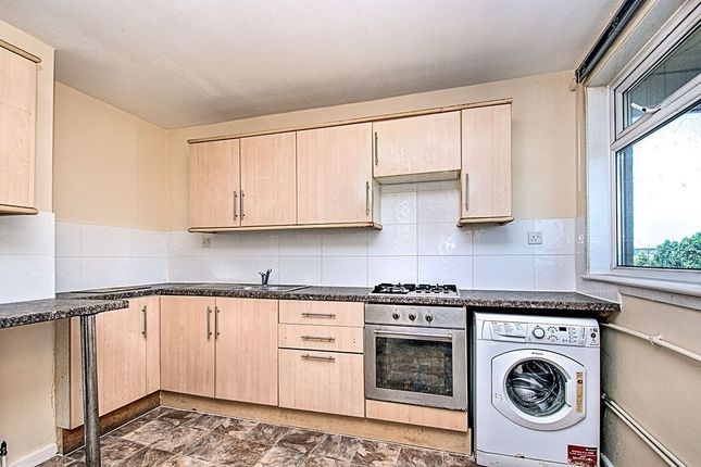 Thumbnail Flat to rent in Plumstead Road, London