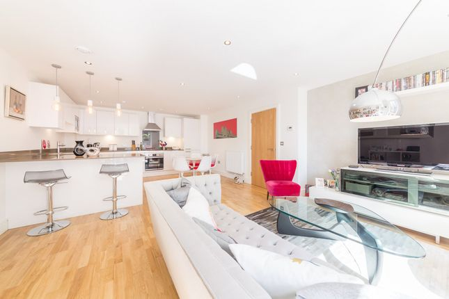 Thumbnail Flat to rent in Dowells Street, New Capital Quay, Greenwich, London