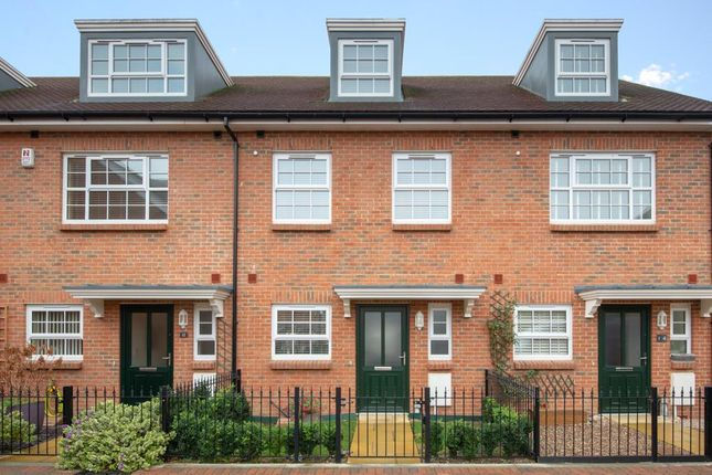 Thumbnail Terraced house to rent in Kings Mews, Worthing