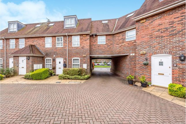 Courtyard of Reigate Road, Tadworth KT20