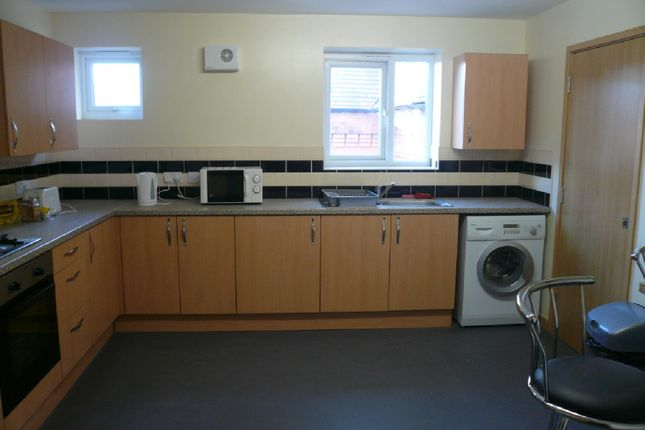 Thumbnail Shared accommodation to rent in Apt 7, 92 London Road, Leicester