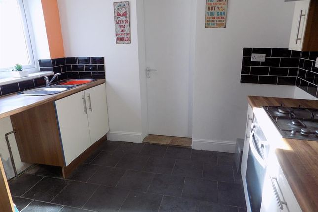Thumbnail Shared accommodation to rent in Clifton Street, Middlesbrough