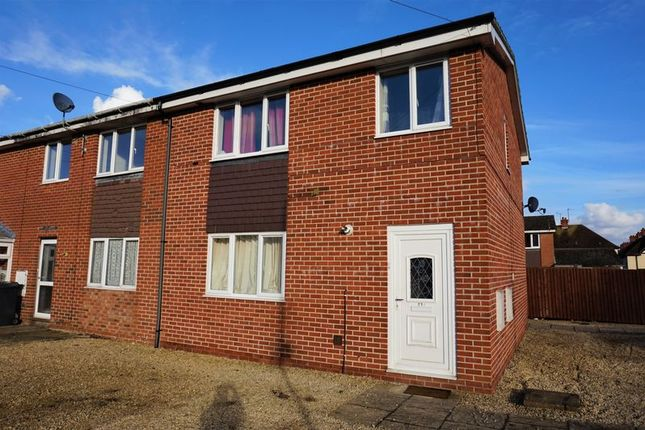 Thumbnail Property for sale in Western End, Newbury