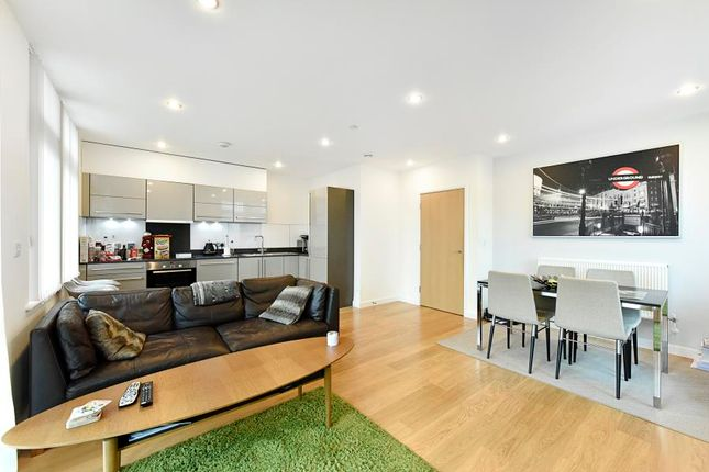 Thumbnail Flat to rent in Ross Way, London