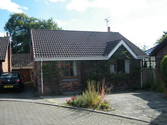2 bed bungalow for sale in Wellfield Close, Pickmere, Knutsford, Cheshire