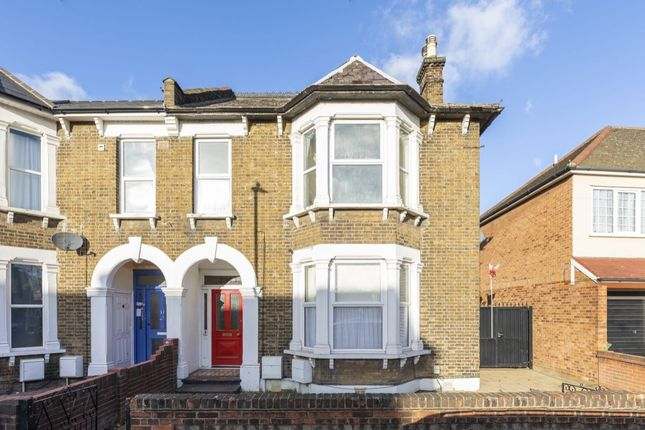 Thumbnail Flat for sale in Broomfield Road, Romford