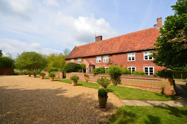 Thumbnail Detached house for sale in Broomsthorpe Road, Helhoughton, Fakenham