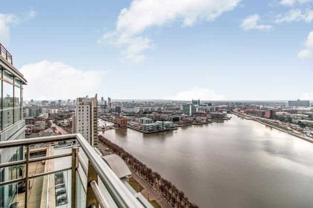 Thumbnail Flat for sale in The Quays, Salford Quays, Salford, Greater Manchester