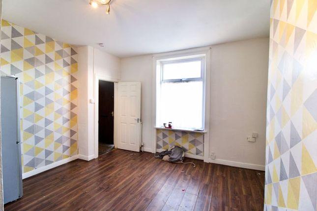 Livingroom2 of North Street, Lockwood, Huddersfield HD1