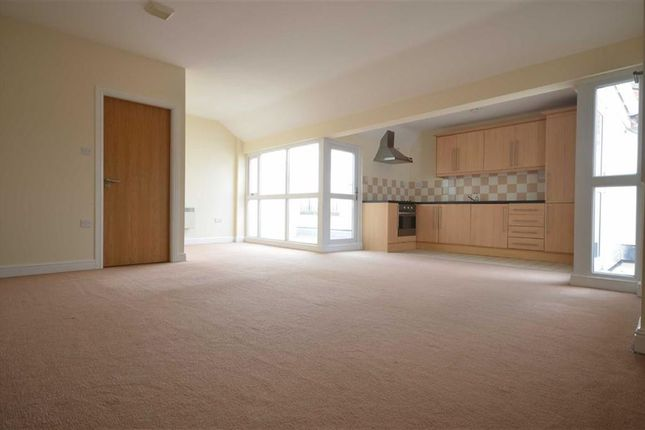 Thumbnail Flat to rent in Constable House, Stockport Road, Denton, Manchester, Greater Manchester