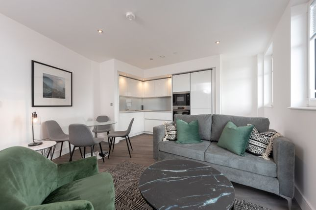 Thumbnail Flat for sale in Merrick Road, Southall
