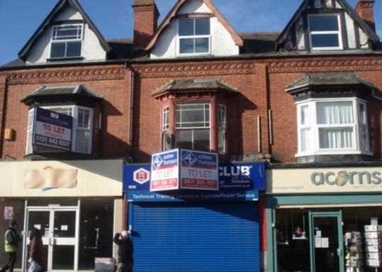 Flat to rent in Bearwood Road, Smethwick, Birmingham