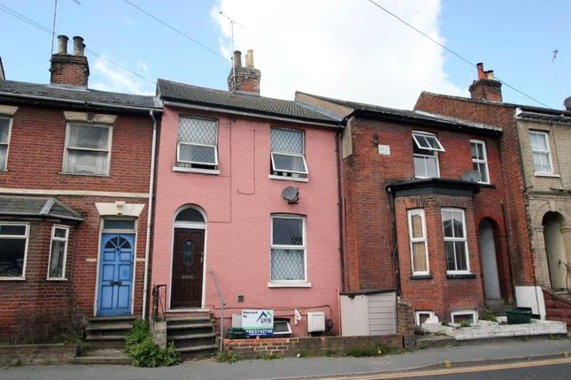 Terraced house to rent in Maldon Road, Colchester