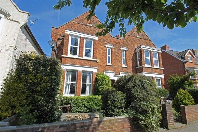 Thumbnail Flat for sale in Goldington Road, Bedford