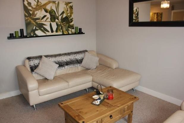 Thumbnail Flat to rent in Staley Close, Stalybridge
