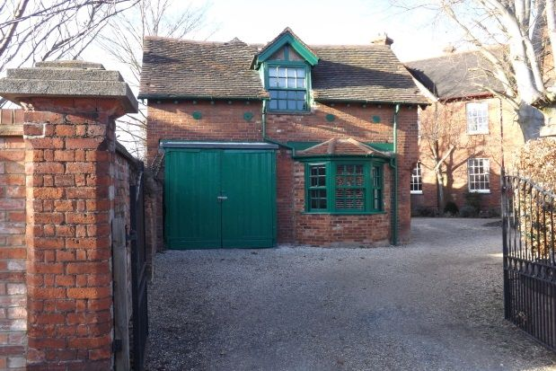 1 bed mews house to rent in Milton Road, Bedford