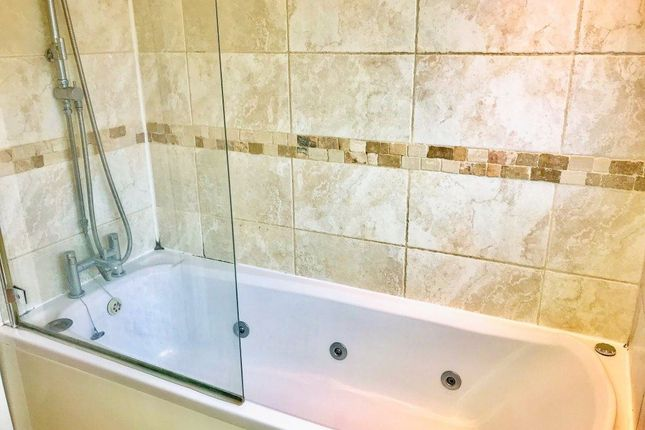 Thumbnail Property to rent in Roundhills, Waltham Abbey, Essex