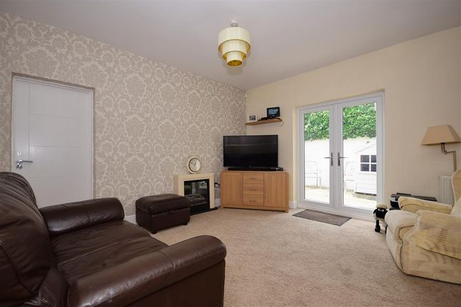 Lounge/Diner of Kinfauns Avenue, Hornchurch, Essex RM11