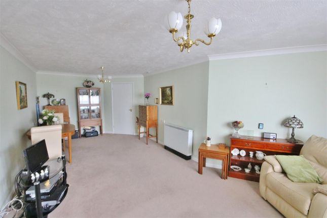 Lounge/Diner of Connaught Avenue, Frinton-On-Sea CO13