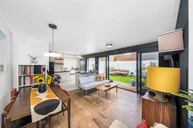 Thumbnail Bungalow for sale in Oborne Close, Herne Hill, London