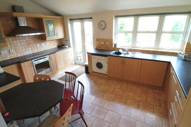 Thumbnail Detached house to rent in Nutfield Road, Merstham, Redhill