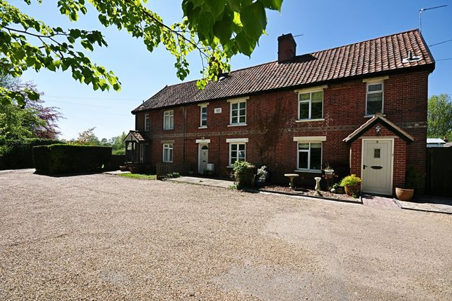 Thumbnail Terraced house for sale in Fair Green, Roydon, Diss