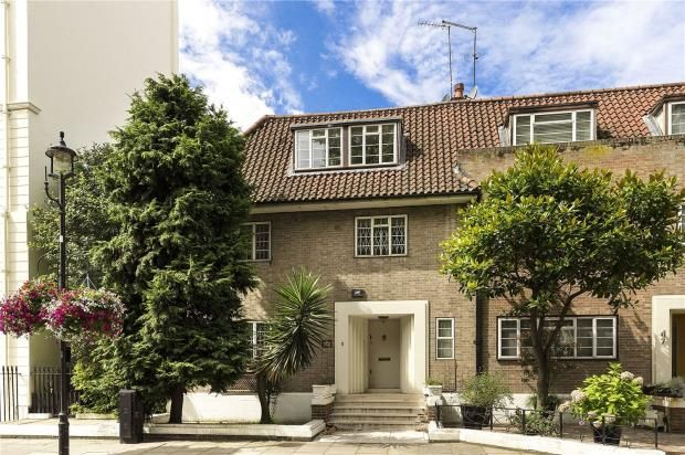 Thumbnail End terrace house to rent in Hyde Park Street, London