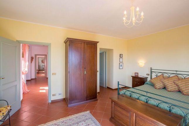 Montone A Piedi, Montone, Green Bedroom