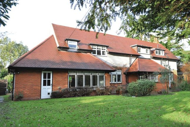 Thumbnail Property for sale in Duckworth Drive, Leatherhead
