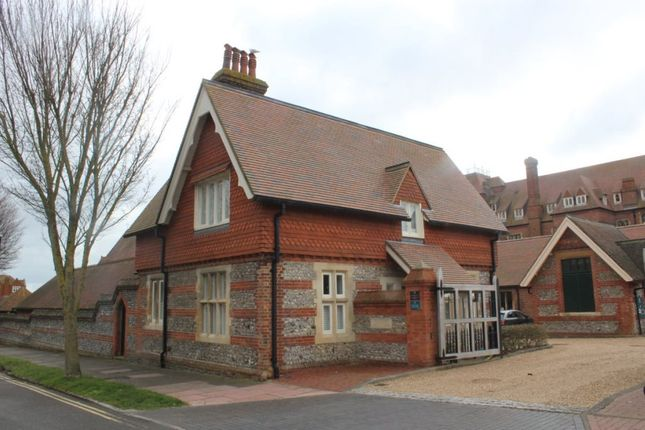 Thumbnail Detached house to rent in Darley Road, Eastbourne