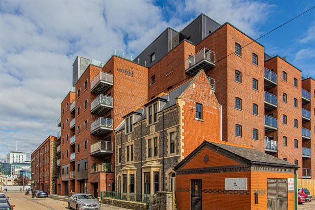 2 bed flat to rent in Brickworks, Cardiff CF10