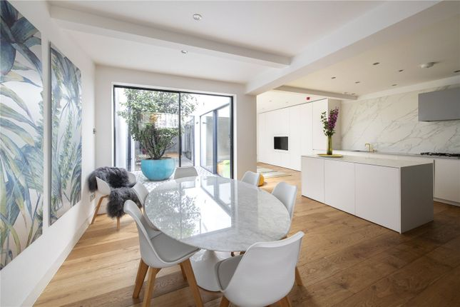 4 bed mews house for sale in Smallbrook Mews, Paddington, London W2