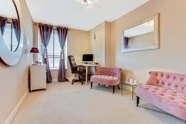Bedroom 2 of Ingram Street, Merchant City, Glasgow, Lanarkshire G1