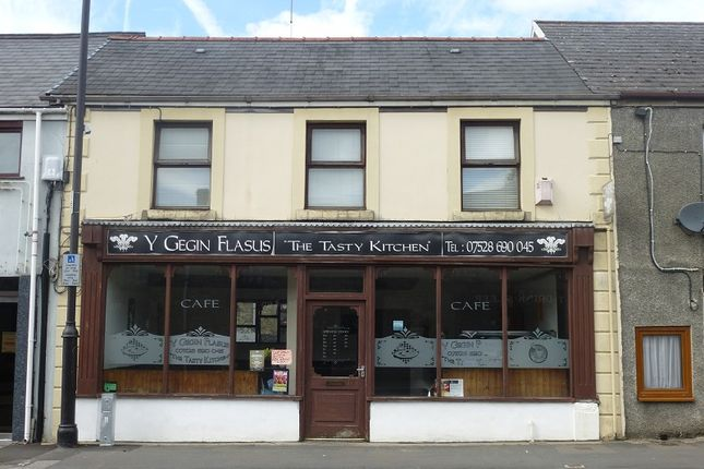 Thumbnail Restaurant/cafe for sale in Wind Street, Ammanford, Carmarthenshire.