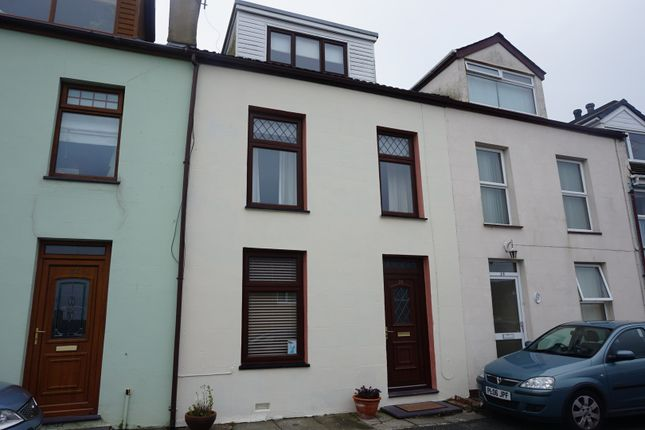 Thumbnail Terraced house for sale in Porthyfelin, Holyhead
